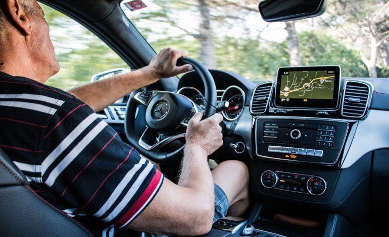 4 onmisbare gadgets voor in de auto