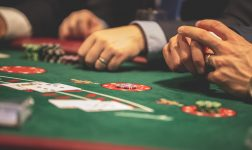 Mannen of vrouwen: wie zijn actiever in het online casino?
