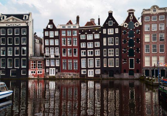 Met vrienden een huisje huren in Nederland
